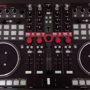 Vestax VCI-400 MIDI Controller