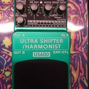 Behringer Us600 Ultra Shifter/Harmonist $2000 六成新