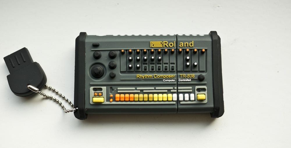 Tr 808 02