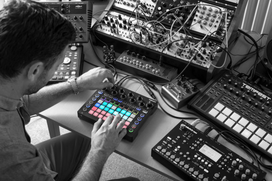 Novation circuit on table