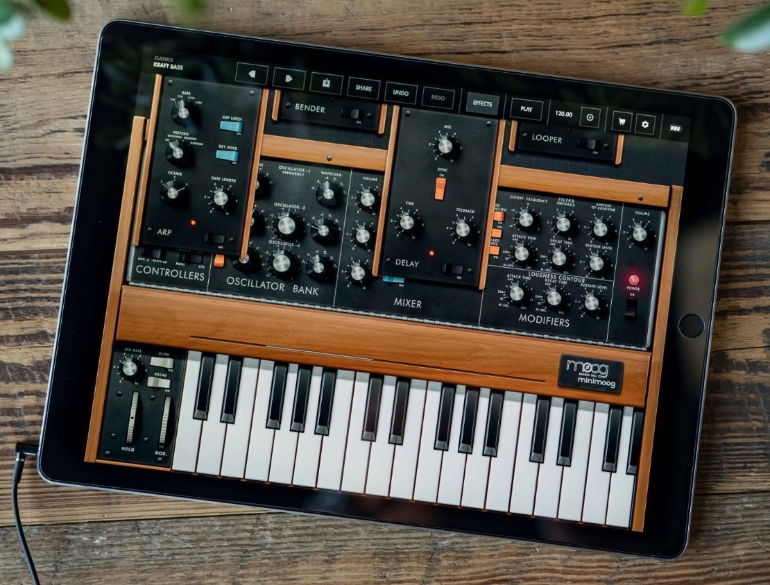 Moog model d synthesizer ipad app wide 1 e1522072778841