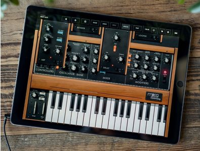 Thumb moog model d synthesizer ipad app wide 1 e1522072778841