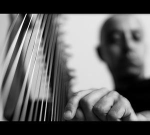 Thumb harp