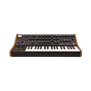 Moog Subsequent 37 合成器