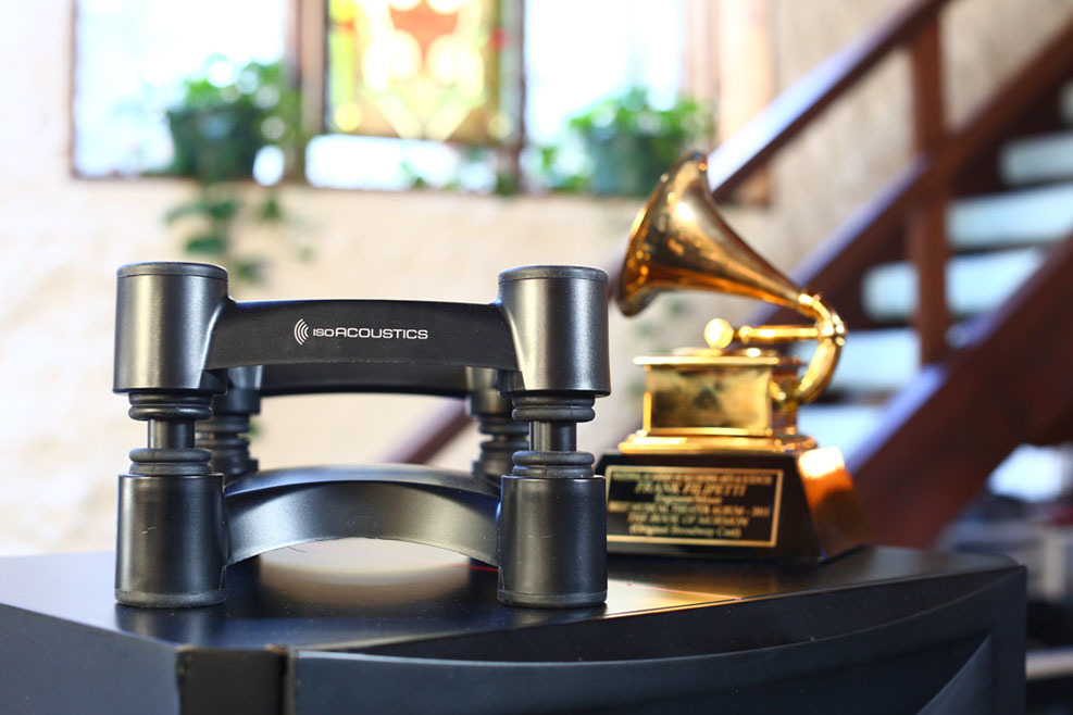 Frank filipetti isoacoustics speak stand with grammy award
